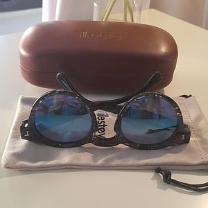 Pre-loved Illesteva Leonard Mirrored Sunglasses